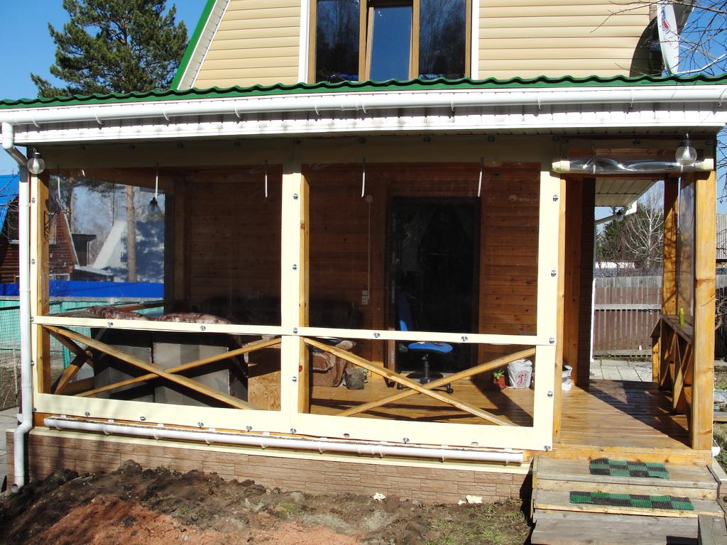 Мягкие окна для веранды жилого дома